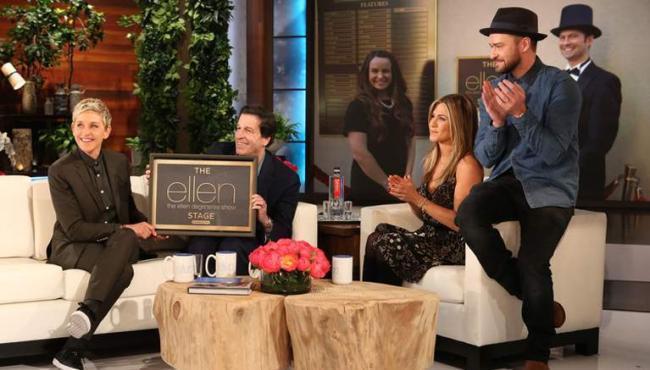 Ellen-DeGeneres-celebrates