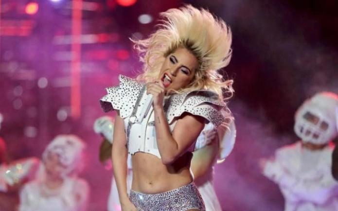 JS119836464_Singer-Lady-Gaga-performs-during-the-halftime-show-at-Super-Bowl-LI-between-the_NEWS-large_trans_NvBQzQNjv4Bqeo_i_u9APj8RuoebjoAHt0k9u7HhRJvuo-ZLenGRumA