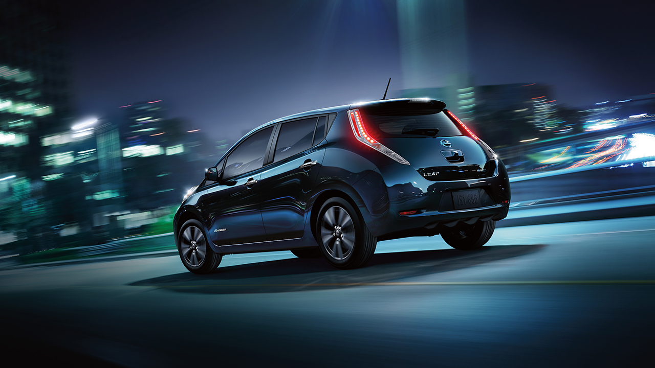 2016-nissan-leaf-rear-profile-black-original